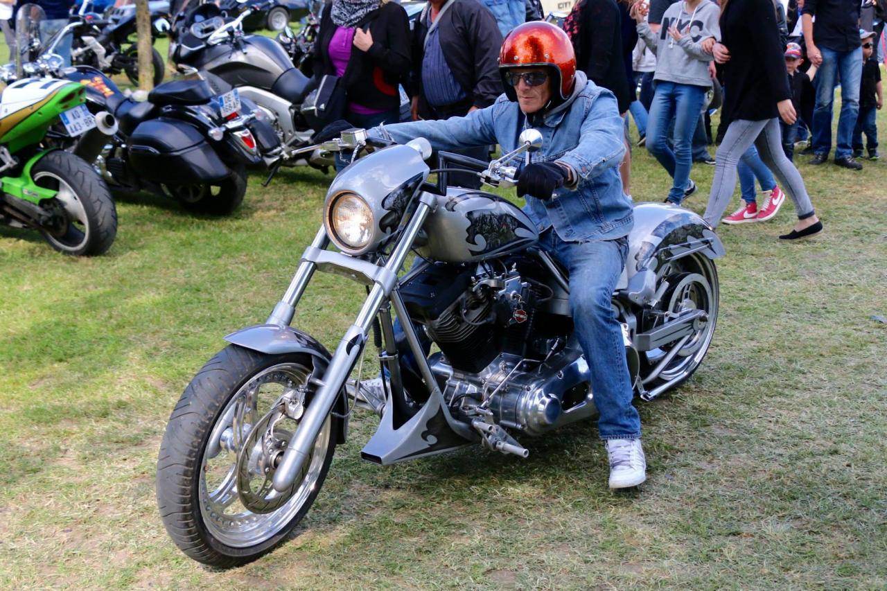 Motos (76)