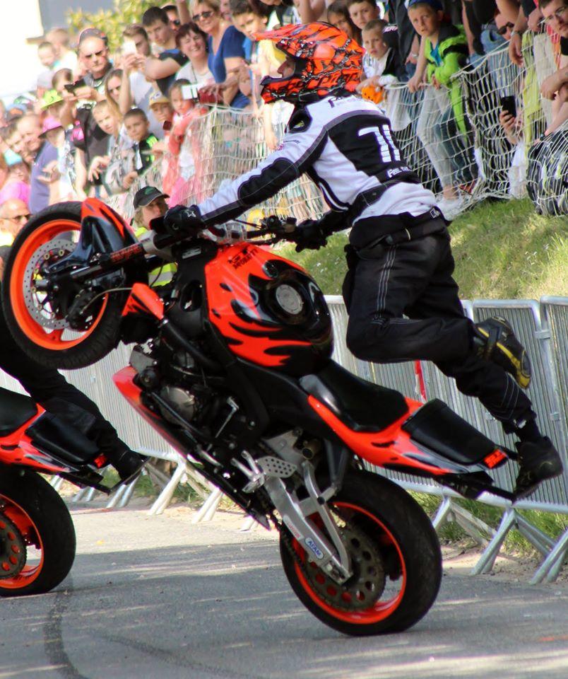 Stunt (100)