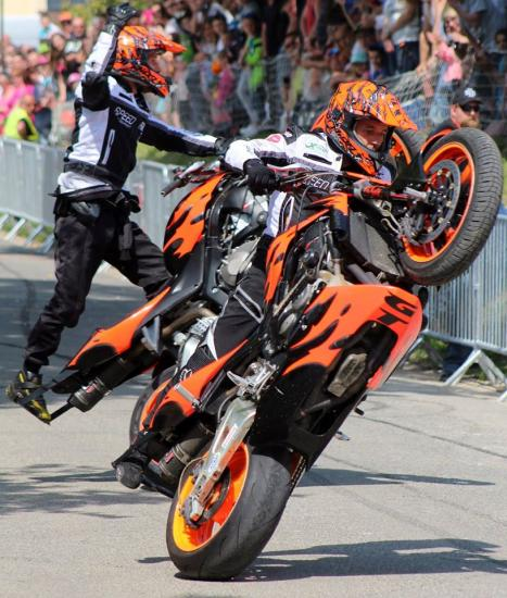 Stunt (105)