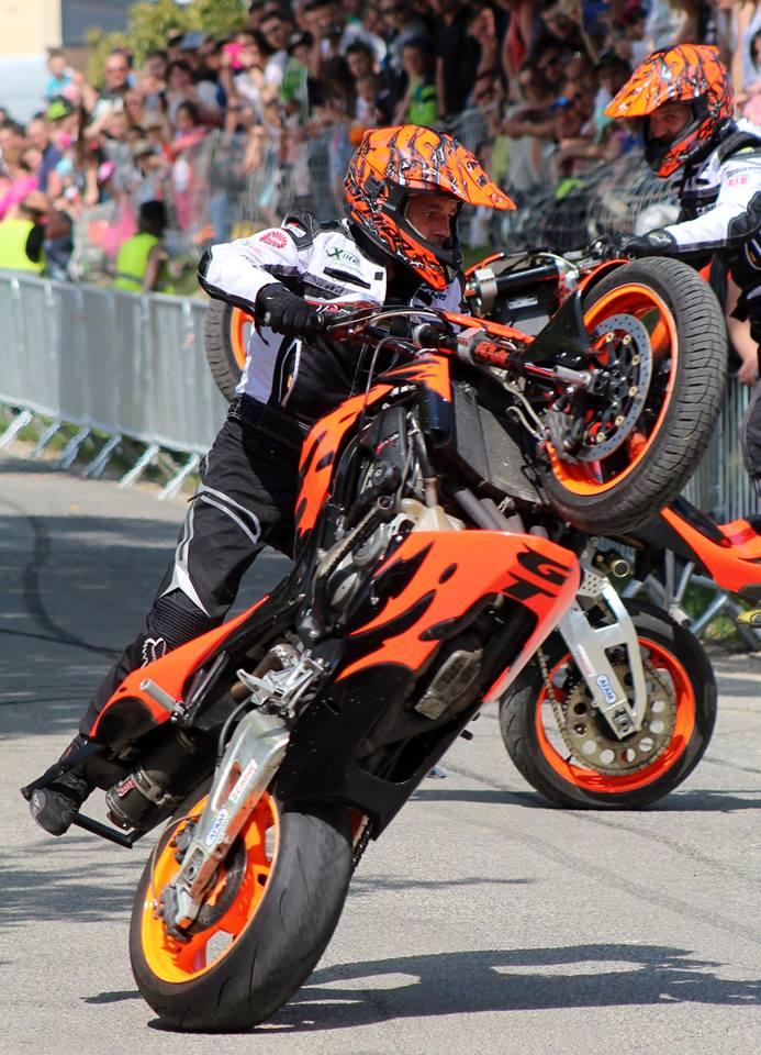 Stunt (106)