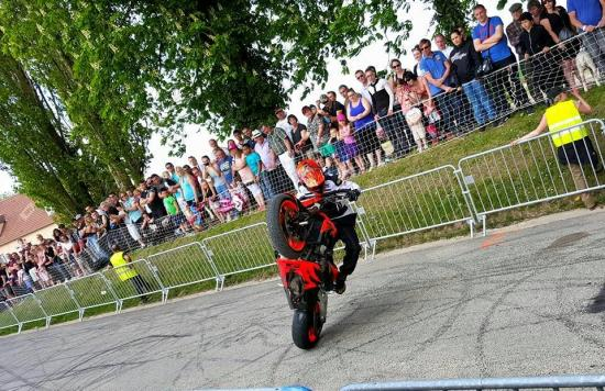 Stunt (16)