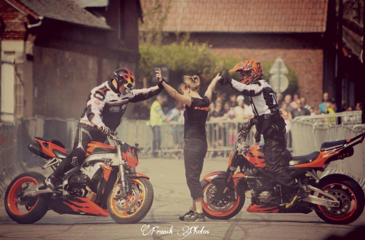 Stunt (27)