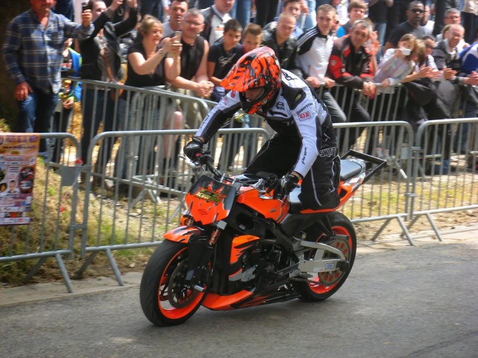 Stunt (50)