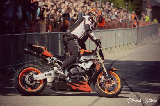 Stunt (61)