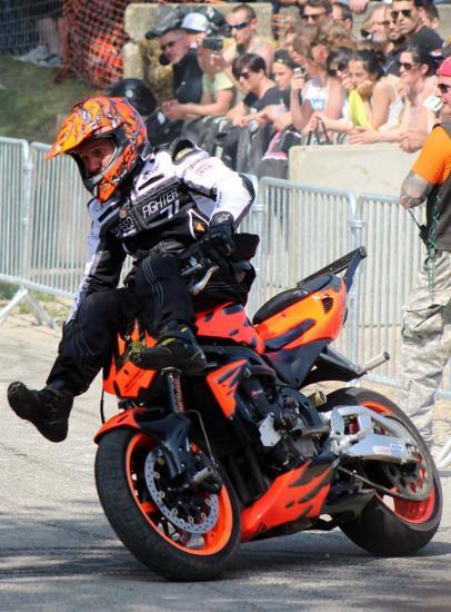 Stunt (73)