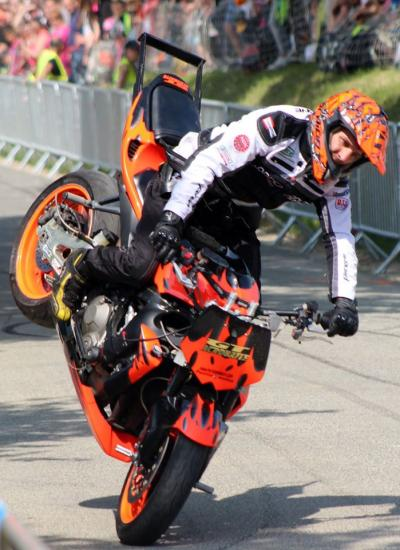 Stunt (86)