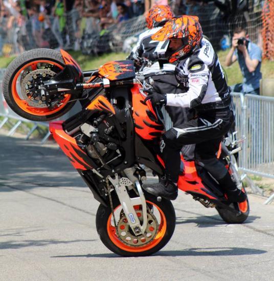 Stunt (87)