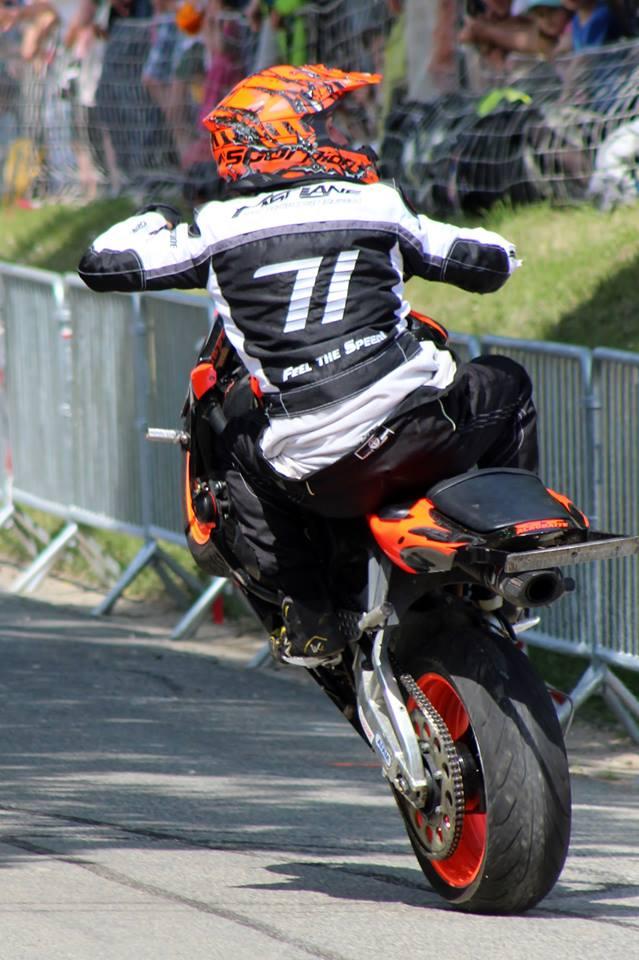 Stunt (88)